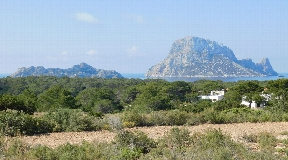 Wonderful country house in front of the massive Es Vedra surrounded by nature reserve