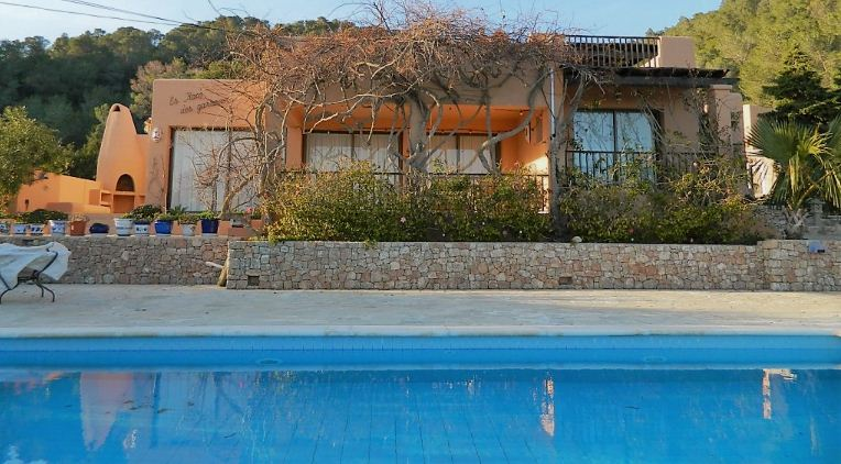 Villa in a beautiful location with sep. Guest house, Sea views - Es Cubells