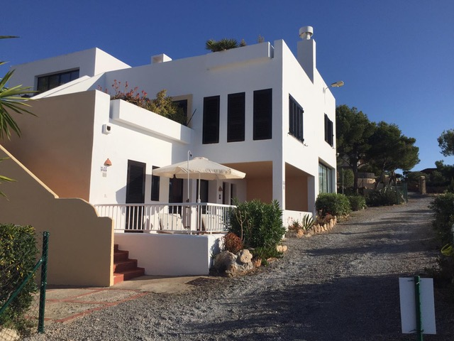 First line house located near Cala Llenya on the coast facing the sea