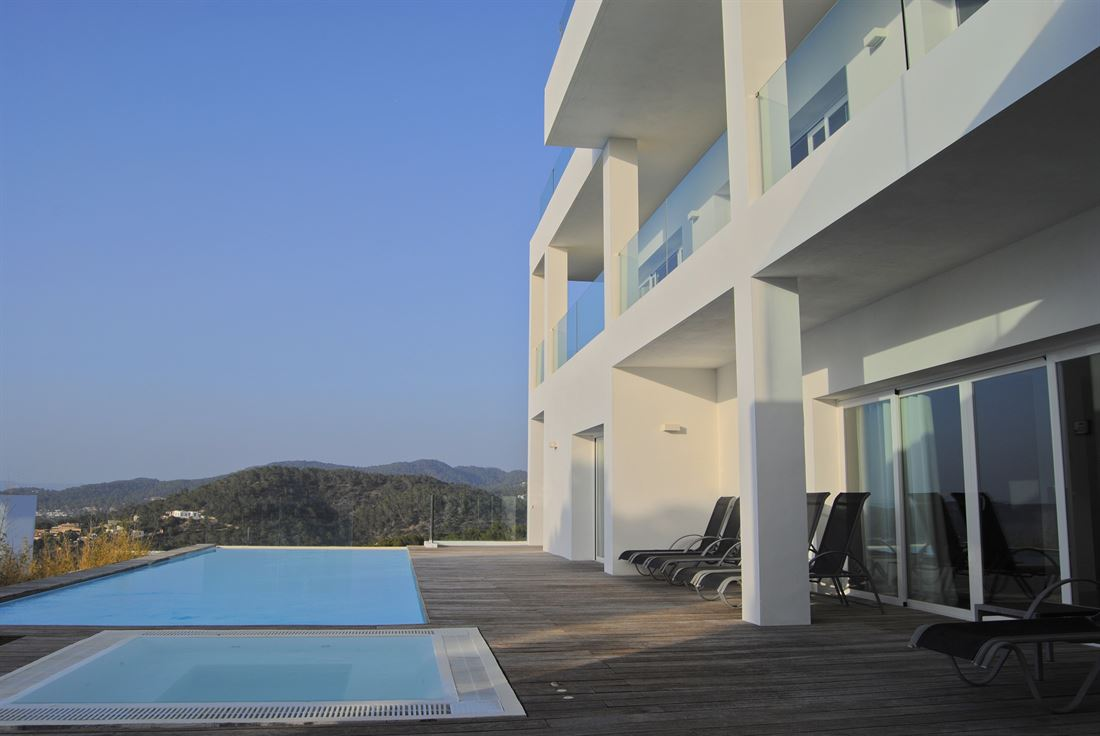 Two luxury villas with beautiful sea views over the coast of Cala Moli