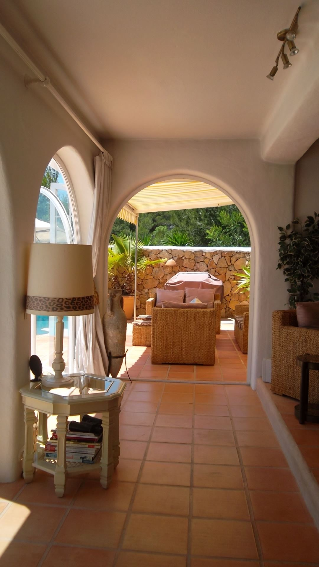 Lovely villa is located on the hillside of st. Rafael