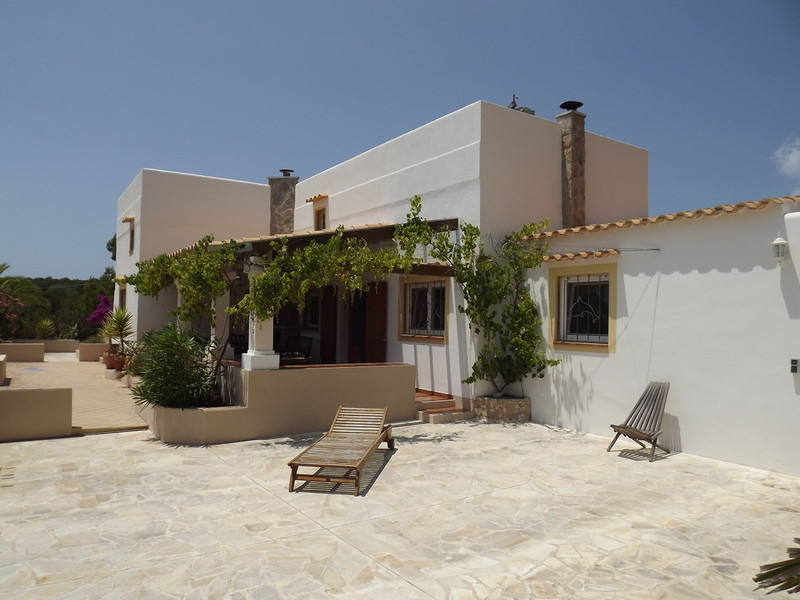Good quality villa situated in a rural area in Cap de Barbaria for sale
