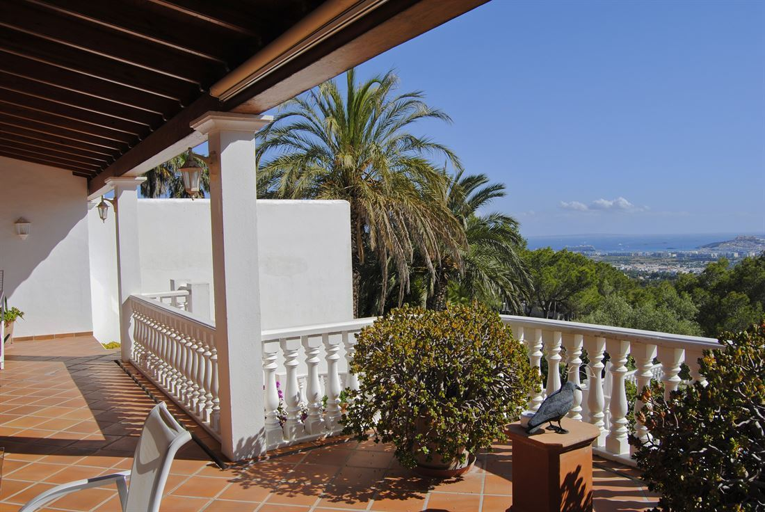 Villa in highly secured residential complex with unique views of the sea and Dalt Vila up to Formentera
