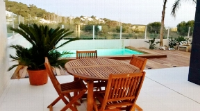 Modern apartment with private pool in the heart of Talamanca for sale