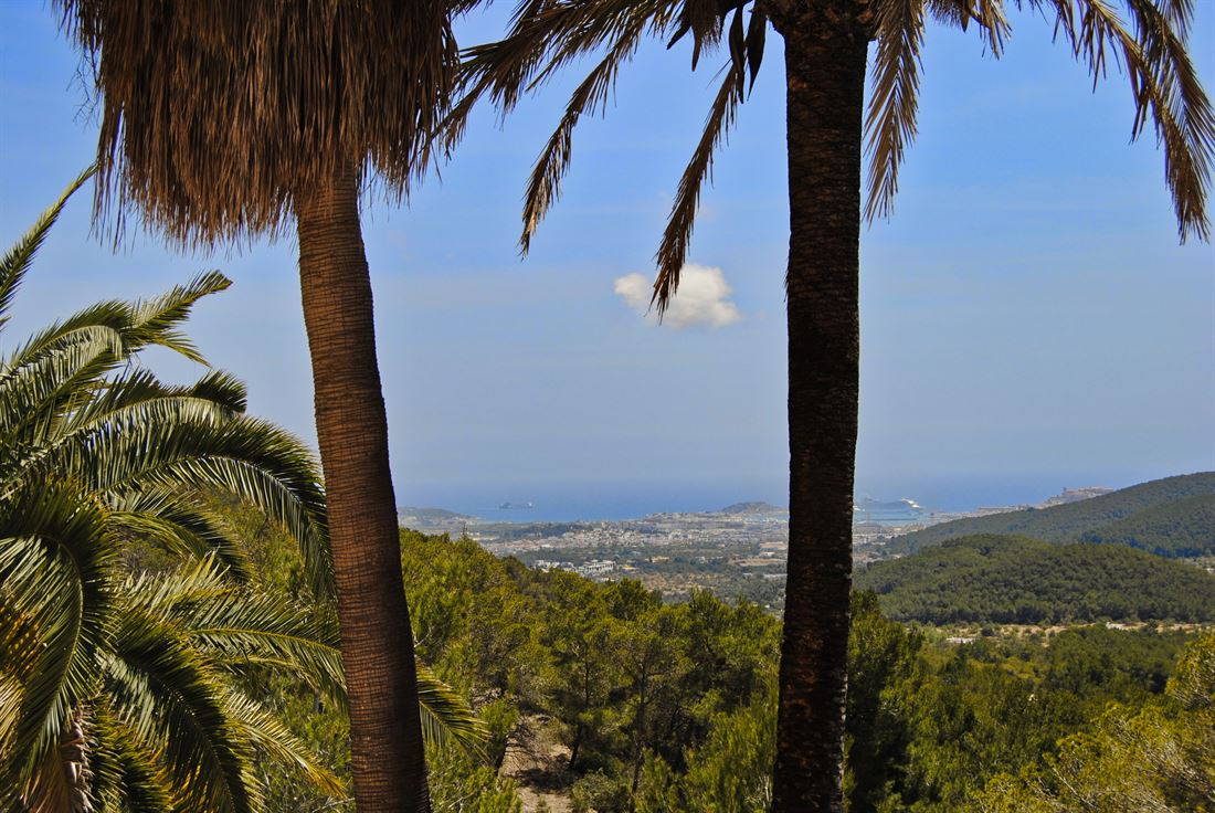 Finca with a lot of charm hidden in hills with panoramic views close to Ibiza