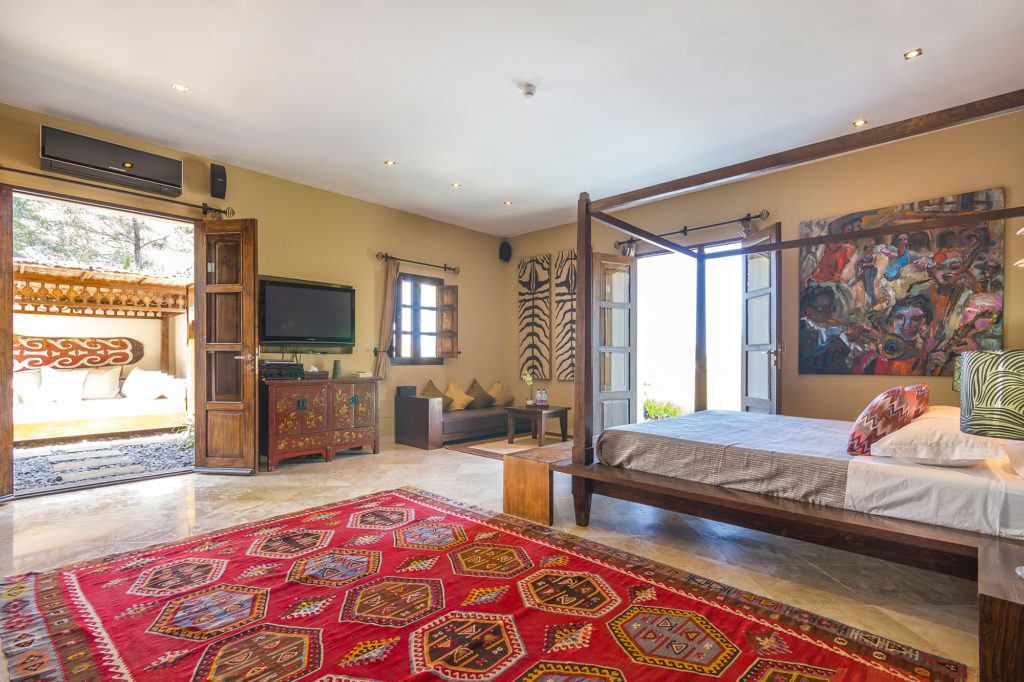 Luxury villa for sale in the Mountains near Morna Valley