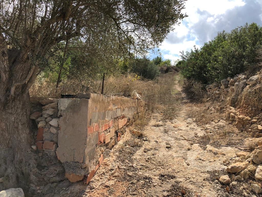 Large plot in San Carlos with large house for sale
