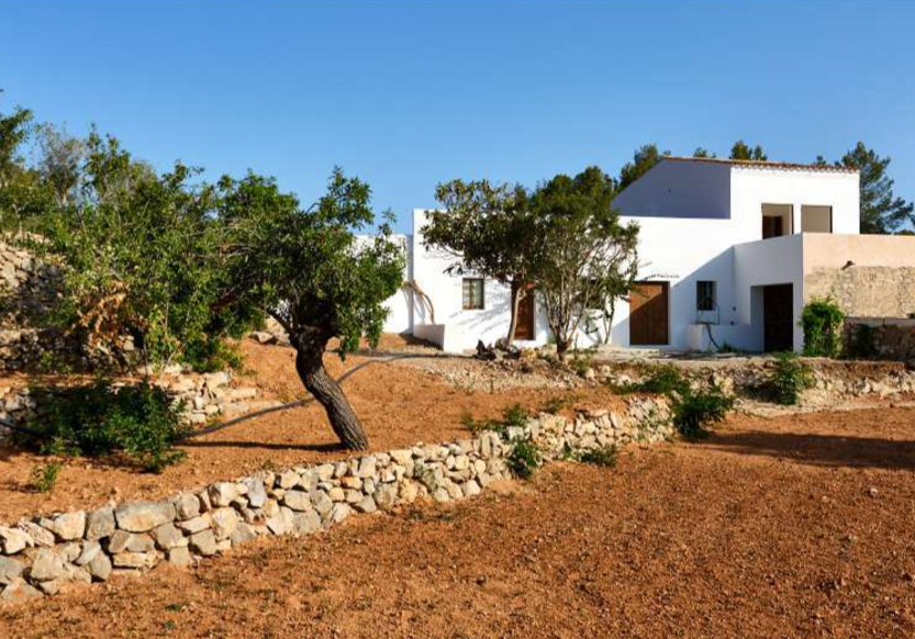 Old finca with Blakstad project walking distance to the beach