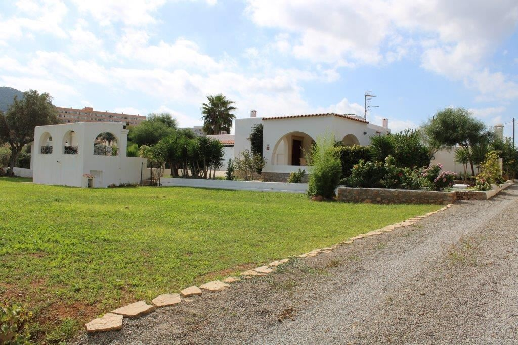 Two houses for sale in Santa Eulalia del Rio