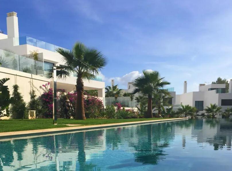 New villa near the sea Cala Llena