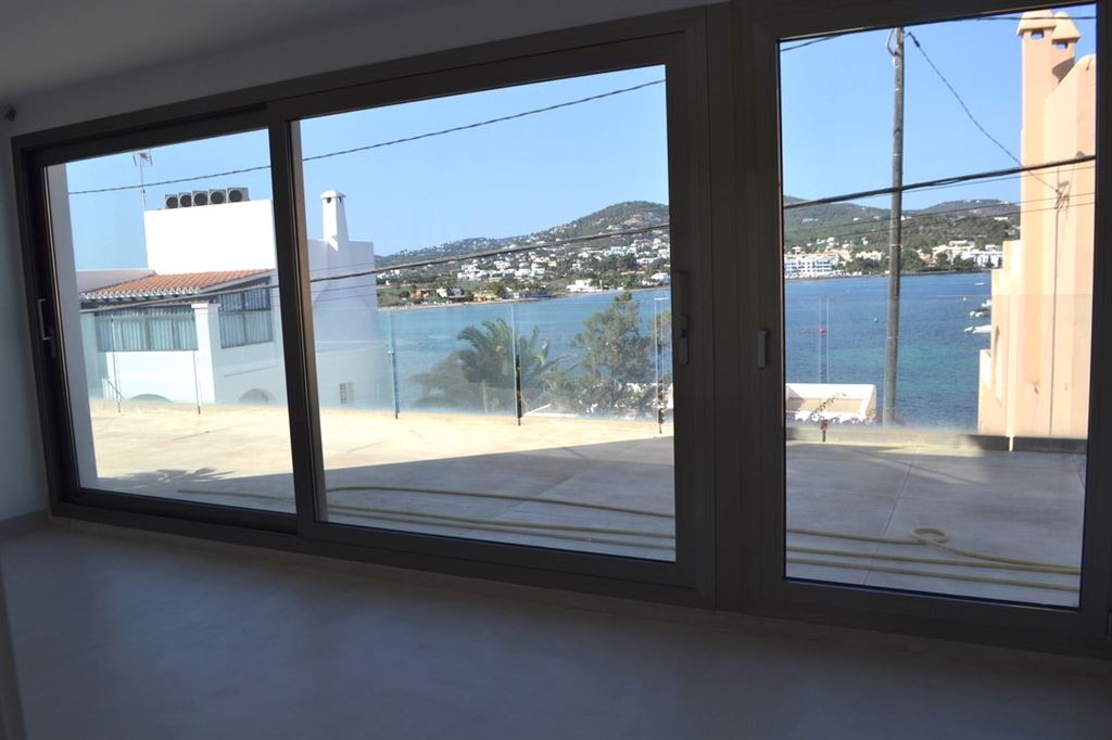 Wonderful ground floor on apartment with sea views in Talamanca