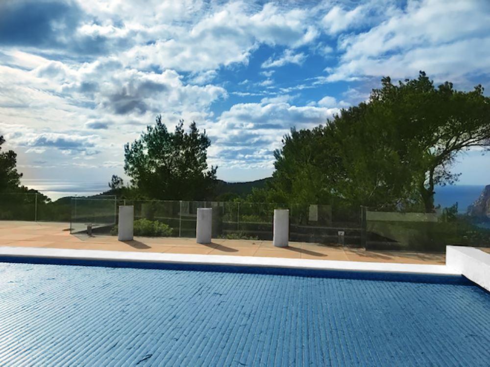 Fantastic private hilltop property with a unique location in Ibiza