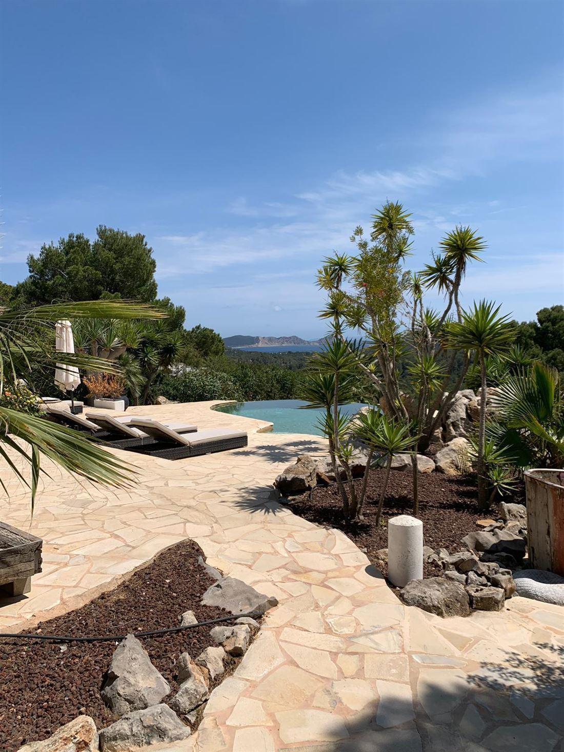 Charming villa located in the area Puig Redo close to Porroig