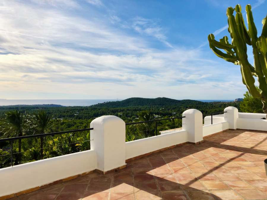 Stunning luxury property with stunning sea views in Es Cubells