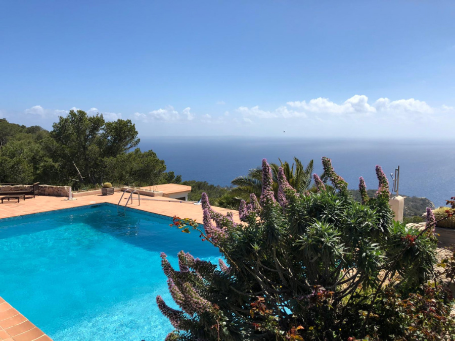 A unique gem in the south of Ibiza with incredible views of the sea and Es Vedra