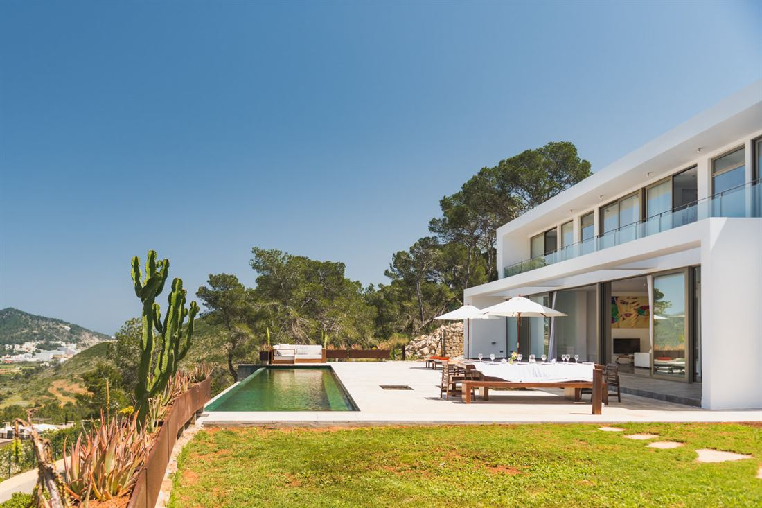 Modern villa in Ibiza Roca Llisa for sale