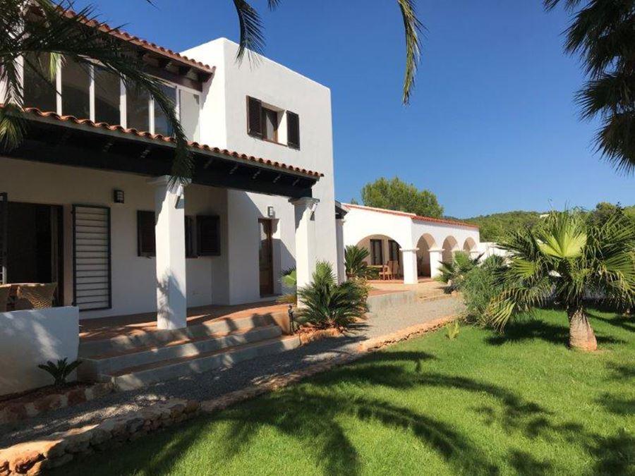 House near Cala Nova near San Carlos for sale