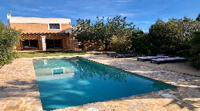 Beautiful villa with private pool on a quiet spot in Can Nebot near Ibiza
