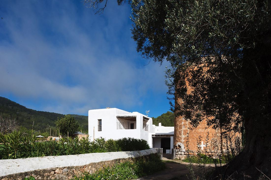Romantic and antique Villa with Historical Defense Tower