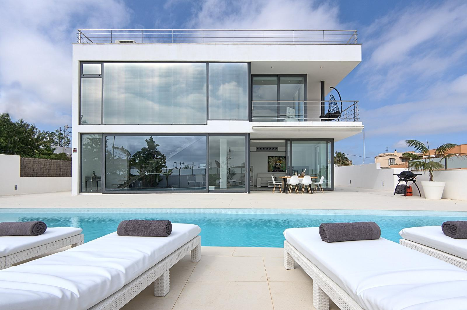 Villa is in minimalist style for sale near to Ibiza with rental license