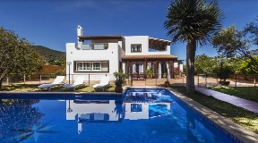 Cosy 5 bedroom villa in Sa Carroca with rental licence for sale