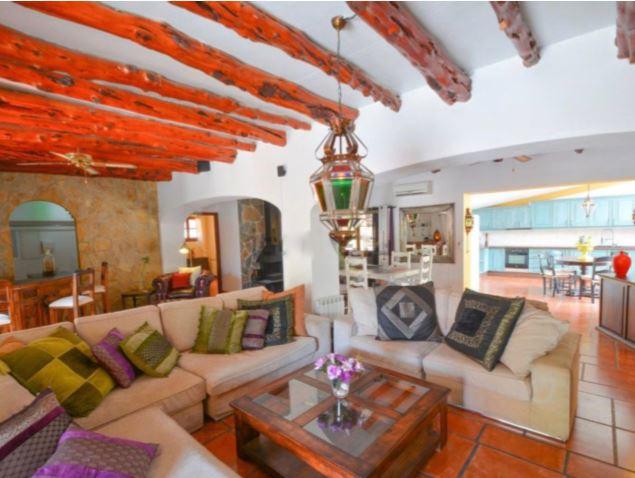 Impressive family villa with tourist license near Cala Gracio
