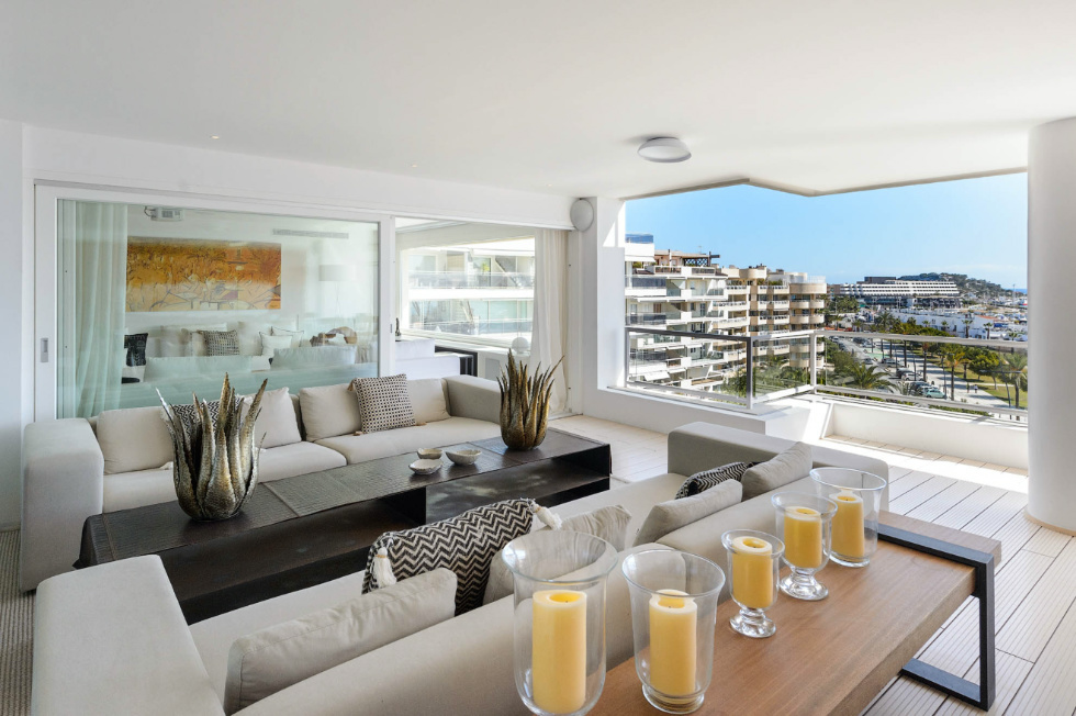 Most exclusive penthouse in Marina Botafoch with sea views