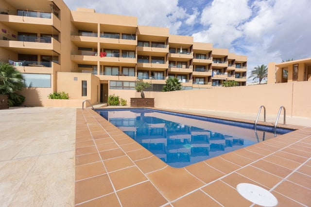 Nice sea front apartment for sale in Playa Den Bossa