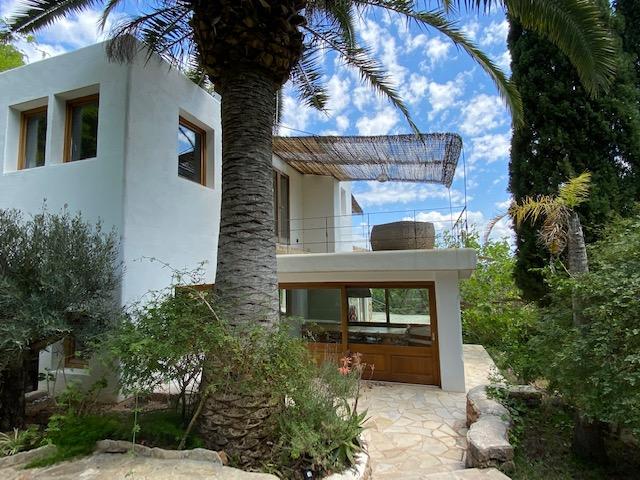 Beautiful newly renovated Villa close to the city of Ibiza
