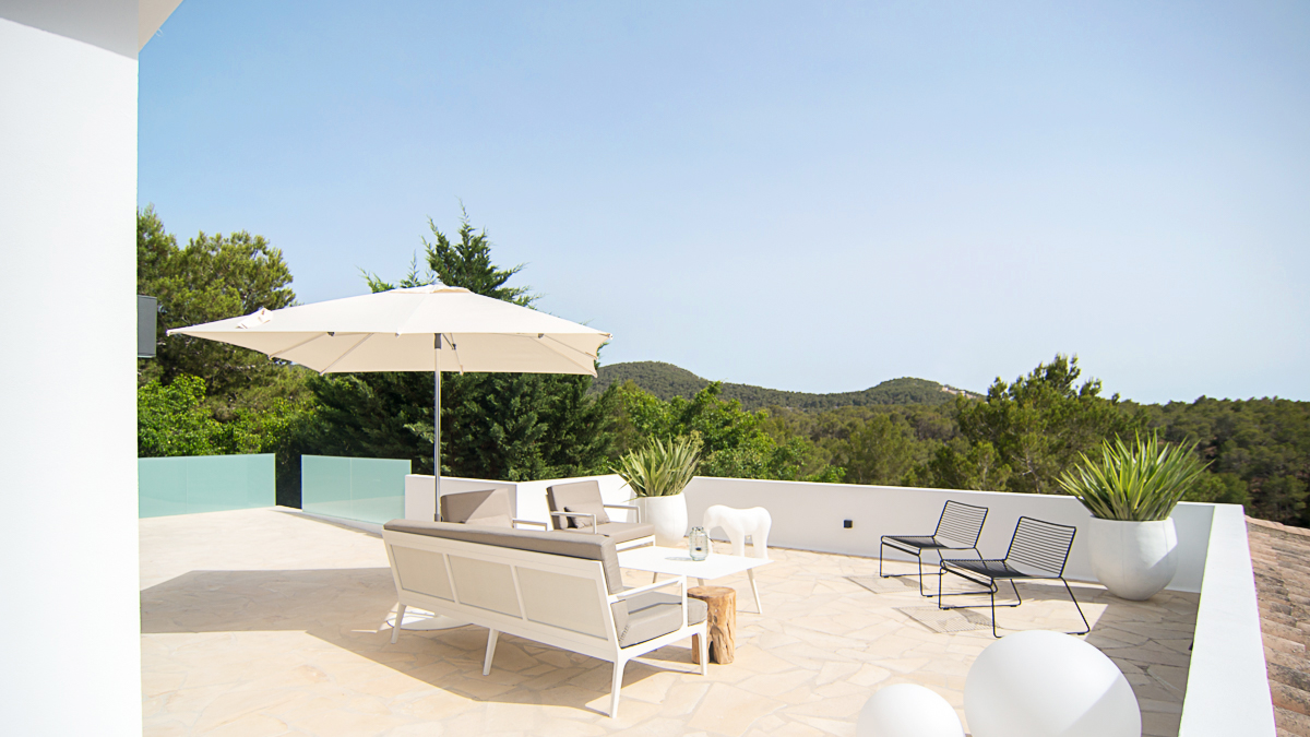 Spacious exclusive villa located in Can Furnet with fantastic views