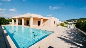 House with tourist licence and possibility to extend 100m2 in a quiet area of Jesus