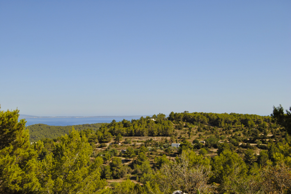 Enchanting country house with panoramic views on a hill near Porroig