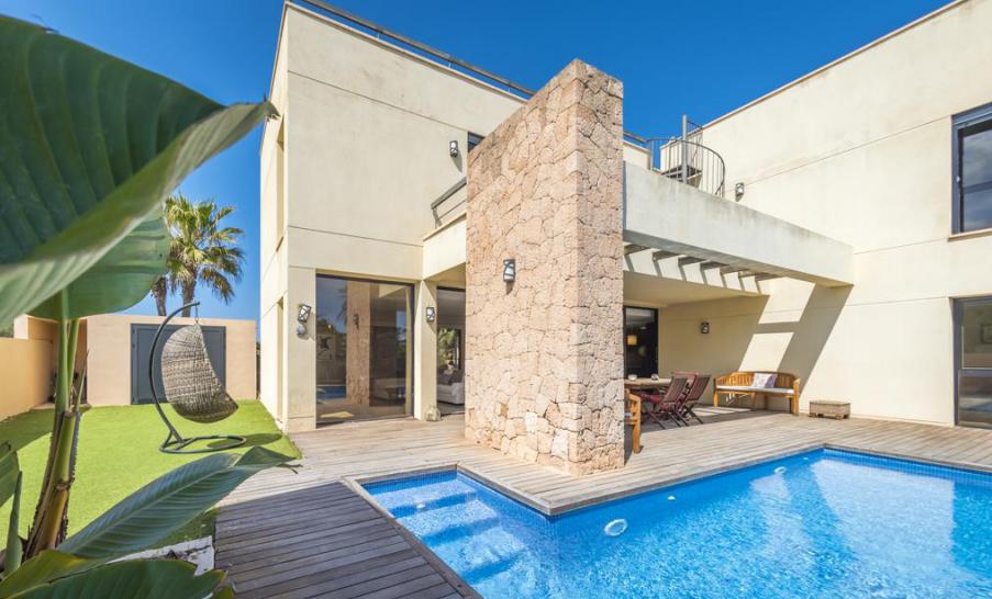 Villa near to the Port des Torrent Beach