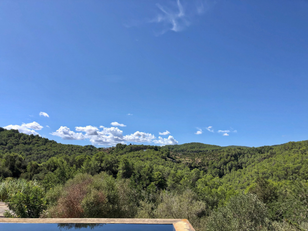 Large finca situated in a unique location near to San Miguel