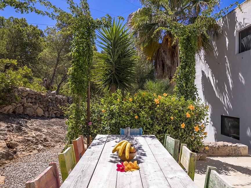 Finca in walking distance to the beach of Es Cavallet