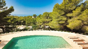 Beautiful house with lots of charm near Cala Salada in sale