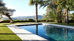 Unique property is situated in an unbeatable mountaintop location with stunning sea views.