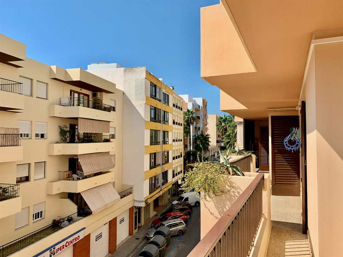 Awesome large city apartment in Ibiza for sale