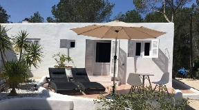 Nice house only 10 minutes walking distance at the sea of Formentera