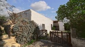 Original farmhouse nestled in unspoilt nature near San Lorenzo