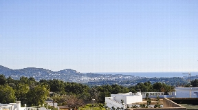 Townhouse in the heart of San Rafael rooftop with sea view