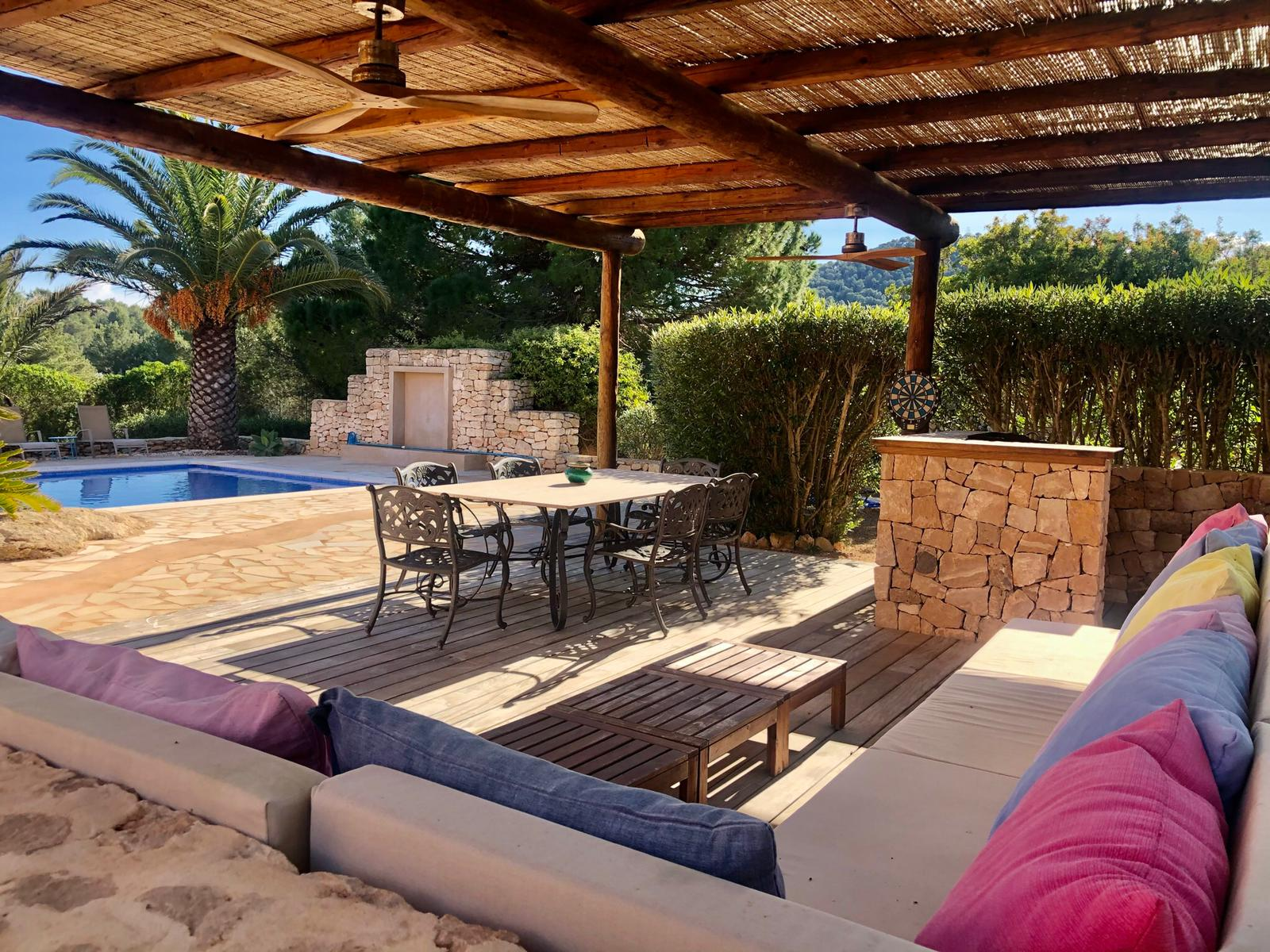 Beautiful house in the countryside with swimming pool near to Ibiza