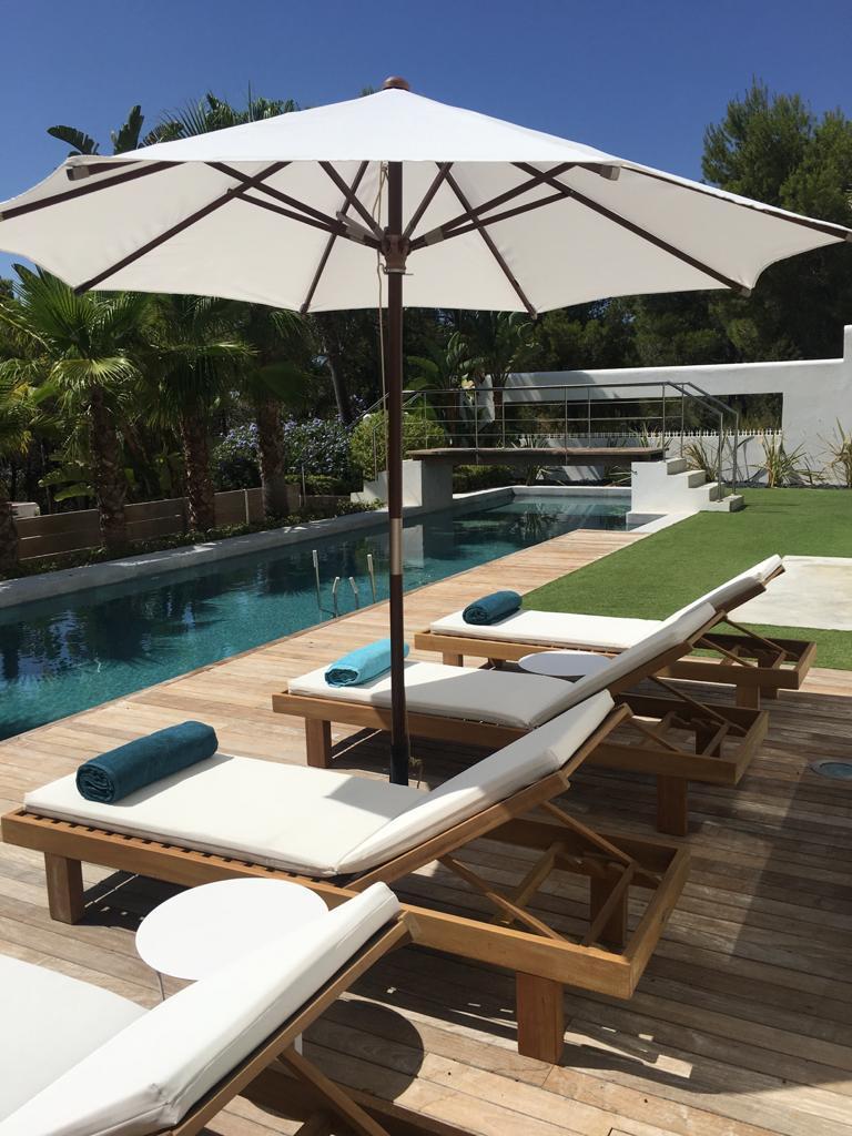 Nice sea facing villa in Cala Salada for sale