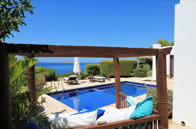 Villa in first line of sea with incredible views to the sea on Ibiza