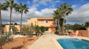 2-story villa is conveniently area near to Ibiza