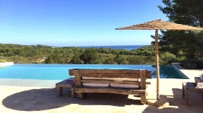Blackstad finca with sea view and a large plot of a land of over 31000 m2