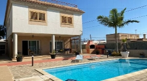 Nice house located in the area of Montecristo only 5 minute to Ibiza