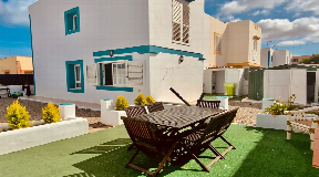 Semi-detached house in quiet area 300 metres from the sea