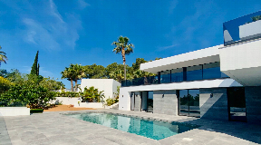 Newly built villa with the highest quality standards in Can Furnet