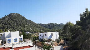 Great single-family house with sea views in Portinax
